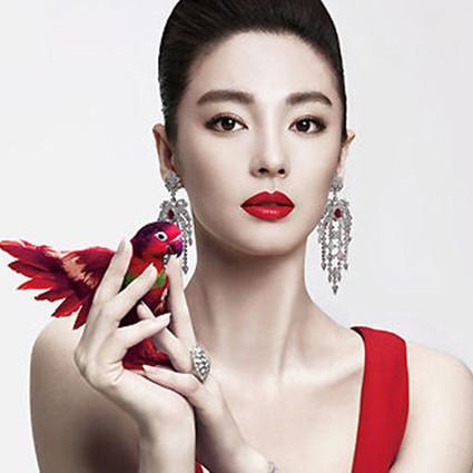 张雨绮:女人只要美,随时往前走!