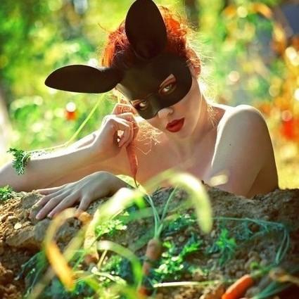 一抹粉嘟嘟的腮红,让你秒变激萌兔女郎