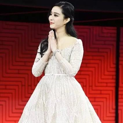 每日星范|范冰冰 总裁求合影全因这条裙!