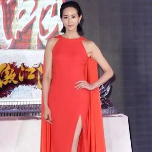 每日星范 | 张钧甯 高开叉红裙大秀性感美腿!
