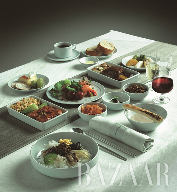 adaymag-the-four-airlines-with-the-best-in-flight-food-02