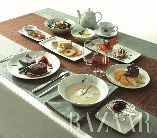 adaymag-the-four-airlines-with-the-best-in-flight-food-03