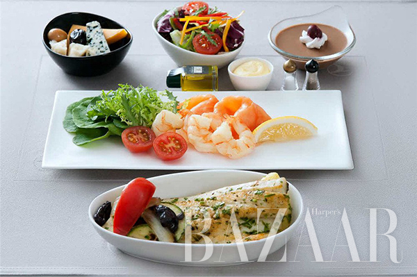 adaymag-the-four-airlines-with-the-best-in-flight-food-06