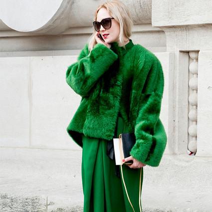 时尚圈的人儿都有个怎么也穿不丑的绝招,全身同色!