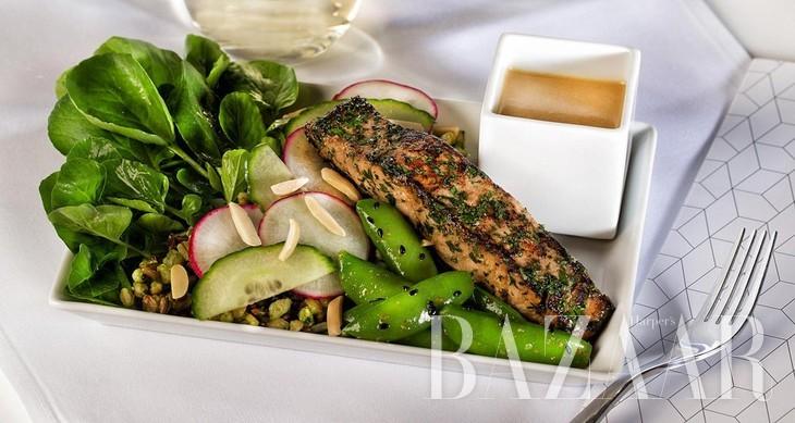 adaymag-the-four-airlines-with-the-best-in-flight-food-14 (1)