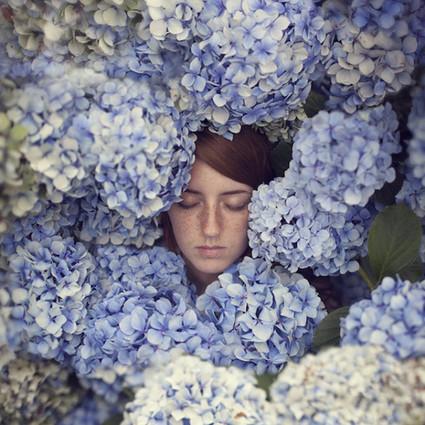 用梦境编制出的超现实影像,安然入梦的她最美