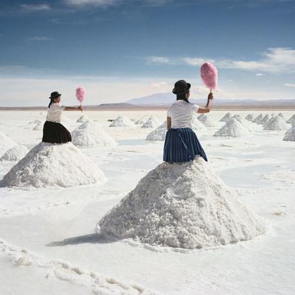 他把玻利维亚的地平线拍成了奇幻片