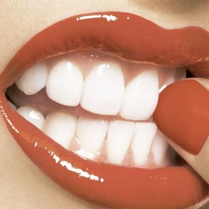 涂出完美大红唇的步骤,跟把大象装进冰箱一样只需三步哦!