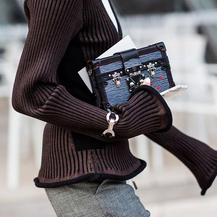 新穿法|秋天有了新毛衣还不够,手镯戴在袖子上被玩火了!