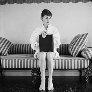 9月爱书会 奥黛丽·赫本近200张私人相片首曝光