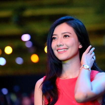高圆圆 她就是穿红裙最好看的人!