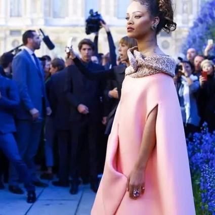 花海中的Dior少女之梦