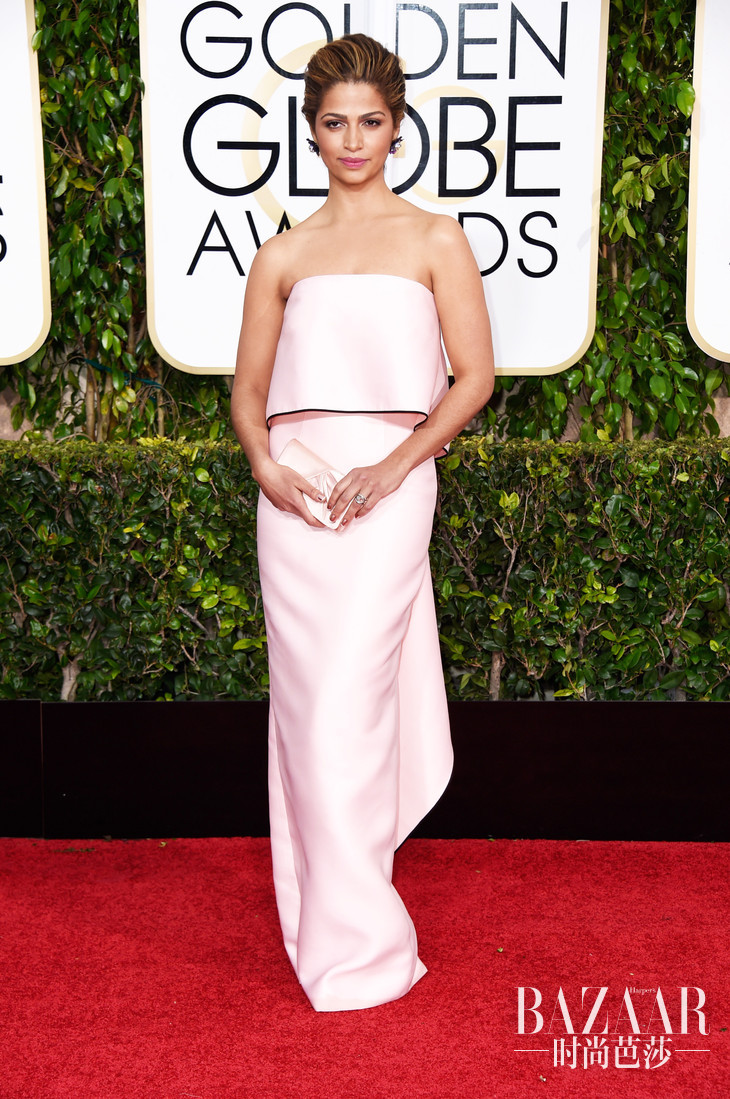camila-alves-golden-globes-2015-461378790