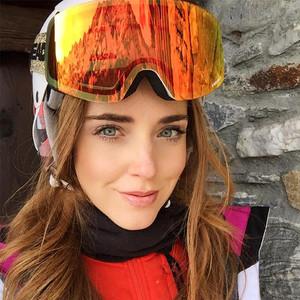 时髦的孩纸滑雪也要穿的不一样!