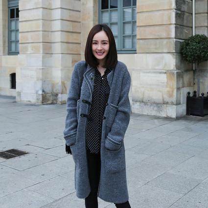 杨幂刘雯人手一件的灰色针织开衫,这个冬天你怎么能没有!