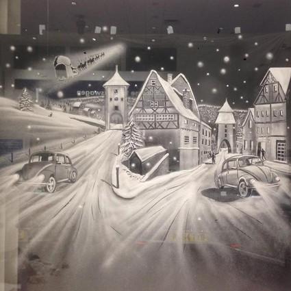 在雪窗上作画?!惊为天人的雪画艺术家