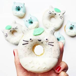 太诱人!澳洲女孩厨房里的梦幻翻糖饼干