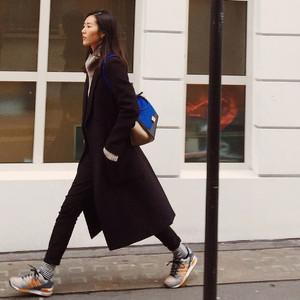 最爱穿运动鞋的大表姐刘雯,跟着她买准没错!