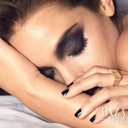 护肤狂|年底熬夜高发期,这四招救救你的崩溃肌!