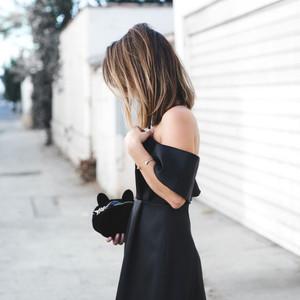 年会马上就要开始了,你还没有一条必备的小黑裙吗?