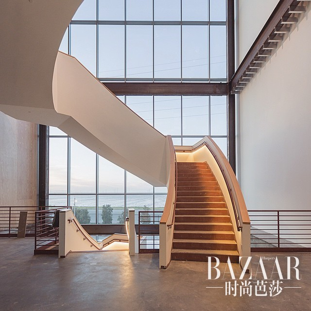 adaymag-instagrammers-provide-the-first-look-inside-facebook-s-new-hq-09