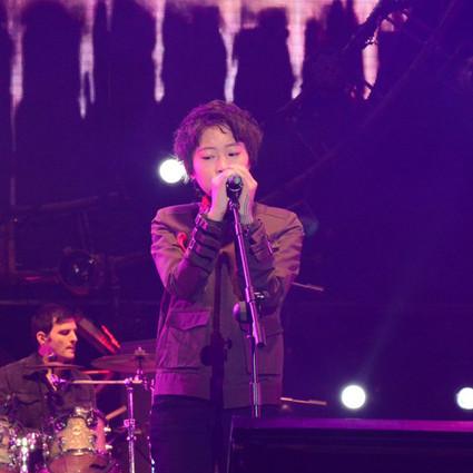 19岁的窦靖童,不仅有王菲的歌声窦唯的才华,还帅得让你不得不爱!