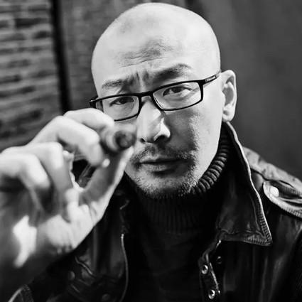 让男神帅出新高度,黄渤冯小刚做影帝,最会拍的导演原来是他!