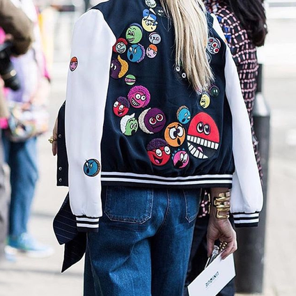 时尚圈已经被贴纸霸占啦!面对这么时髦又有趣的单品你的钱包还守得住吗?