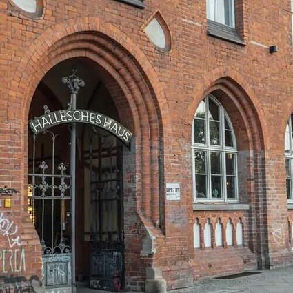 老邮局改造重生,成为复古居家杂货店