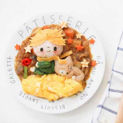 一位创意妈妈把孩子的午餐做成了动漫大杂烩~