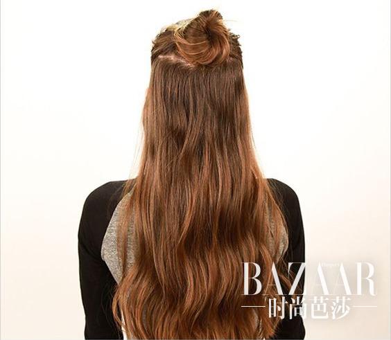 长发:扎半卷丸子头建议先把头发夹卷,这样丸子可以更蓬松,剩下的头发图片