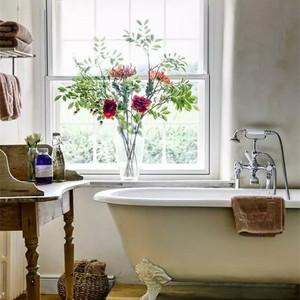 小小卫浴间也能变身为迷你花园
