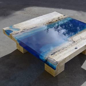 把大海河流镶嵌在饭桌上,这也许是你见过最美的桌子