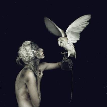 用复古粗旷的眼光拍摄人像,鬼才摄影师Nicol Vizioli