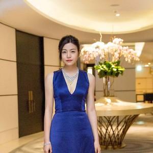 陈妍希秀1. 9亿顶级珠宝出巡卡迪亚晚宴全场最贵