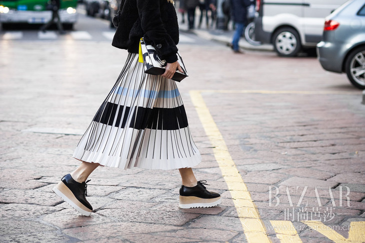 ShotByGio-George-Angelis-Woman-Skirt-Wedges-Milan-Fashion-Week-Fall-Winter-2015-2016-Street-Style-0513