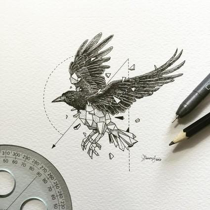 看艺术家在画纸上用签字笔解构动物