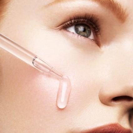 过敏褪去以后,肌肤依然处在易过敏边缘,我们日常护肤中能不能加入美白产品呢?