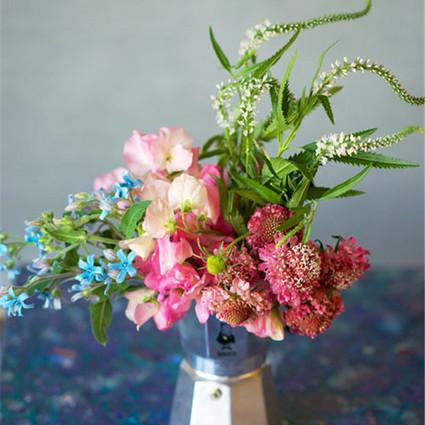 在咖啡香中寻找甜滋味,DIY植物小花束
