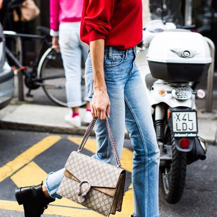 """这些""""过时""""的款式你可别再穿了,从上衣裙子到牛仔裤现在流行的是它们!"""