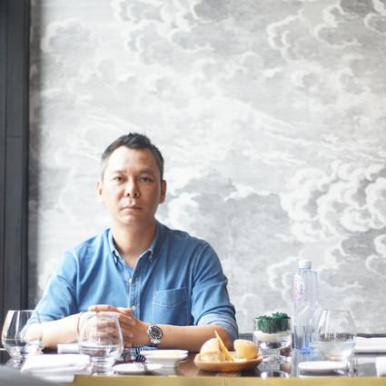 当你们还在吃火锅的时候,他已经拿火锅成功创业了!