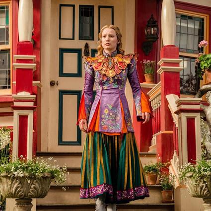 《爱丽丝梦游仙境2》没看够?那来这里看一看它的服装吧~