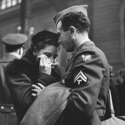 20张战争时代的情侣照,和平年代你更需要爱情