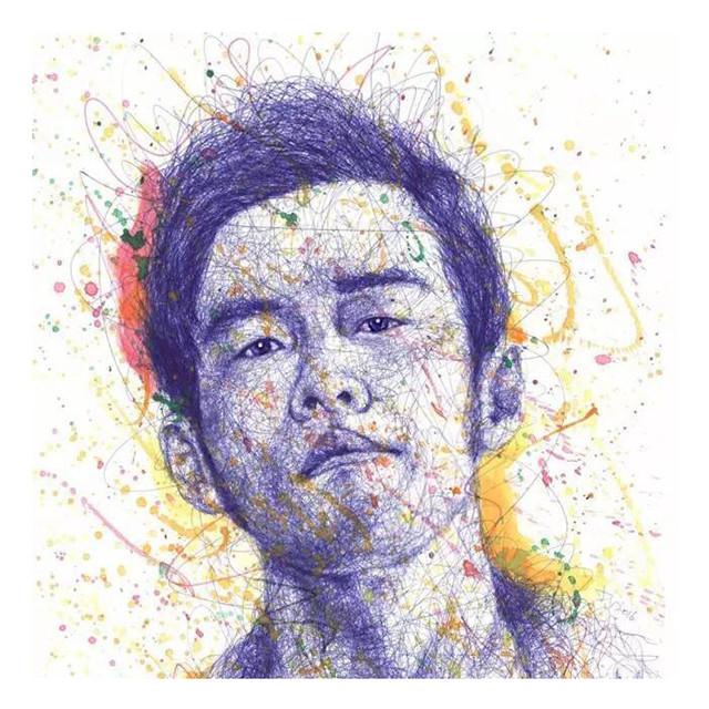擅长于人物肖像创作-90后男孩花3个月,用圆珠笔画了幅改变他一生图片