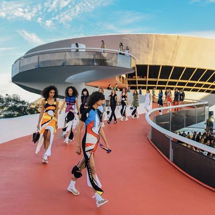 这次Louis Vuitton少女们不打游戏,她们和刘雯跑到乌托邦世界里造梦呢~