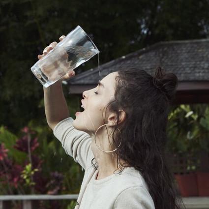 天气辣么热,稍一多喝水就肿,还能不能过了!