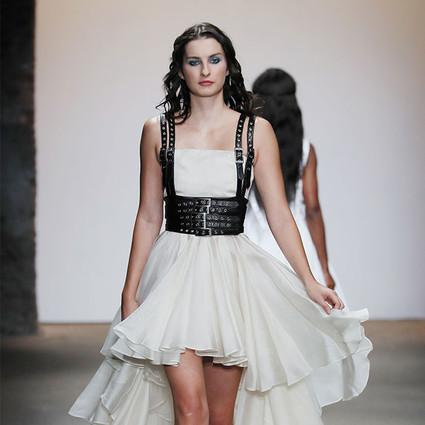 从深圳到纽约,你就差了一场纽约时装周――全人时尚旗下CHINA MOMENT携三位设计师亮相美国纽约时装周