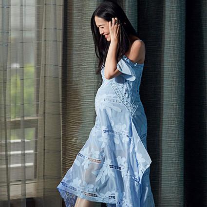 姚晨怀孕6个月还能把全球最火的少女裙穿得这么轻盈,您还好意思北京瘫?