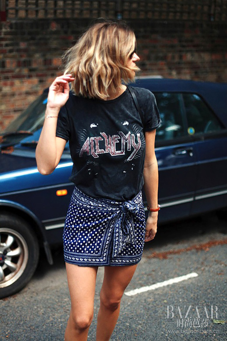 Le-Fashion-Blog-Summer-Style-Wavy-Hair-Vintage-Band-Tee-Orange-Watch-Tie-Front-Bandana-Print-Skirt-Short-Via-Adenorah