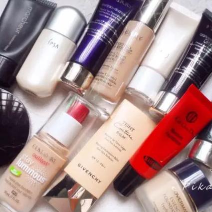 闺蜜报告 | 爱脱妆or爆干皮,这8瓶粉底液总有一瓶能配你的脸!